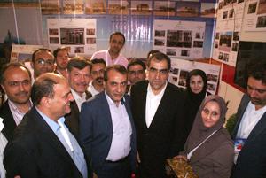 وزیر بهداشت، درمان و آموزش پزشکی از غرفه دانشگاه در جشنواره عمران سلامت روز سه شنبه مورخ 20/4/96 بازدید کرد.