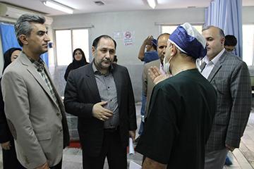 از بخش های مجتمع بیمارستانی شهید بهشتی بازدید کرد